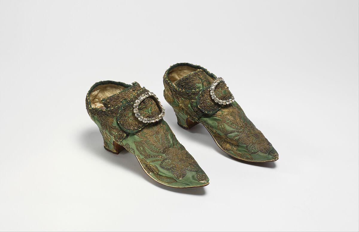Shoe buckles, metal, rhinestones, American or European