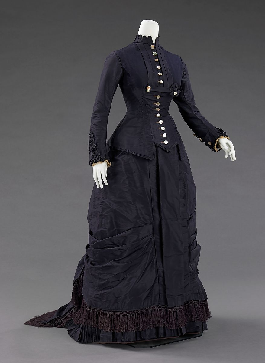Dress, Mrs. F. M. Carroll (American), silk, mother-of-pearl, American