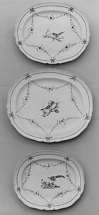 Platters (3), Hard-paste porcelain, Chinese, for European market