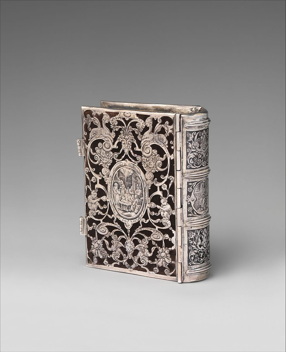 Book cover, Silver, lined with black velvet, containing a contemporary psalter, Dutch, possibly Amsterdam