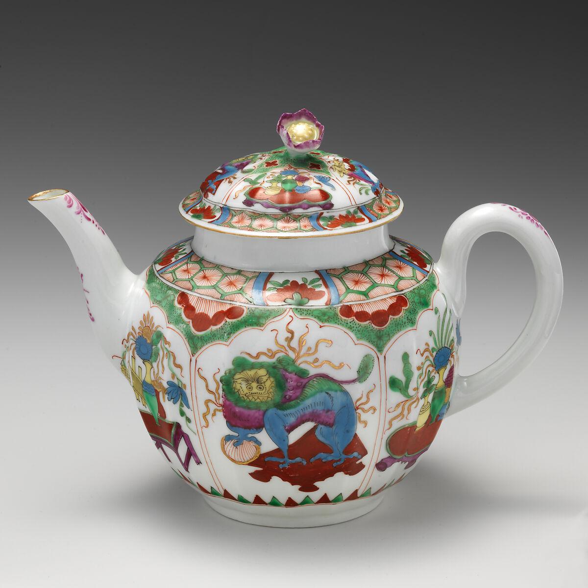 Worcester factory  Teapot  British, Worcester  The Met