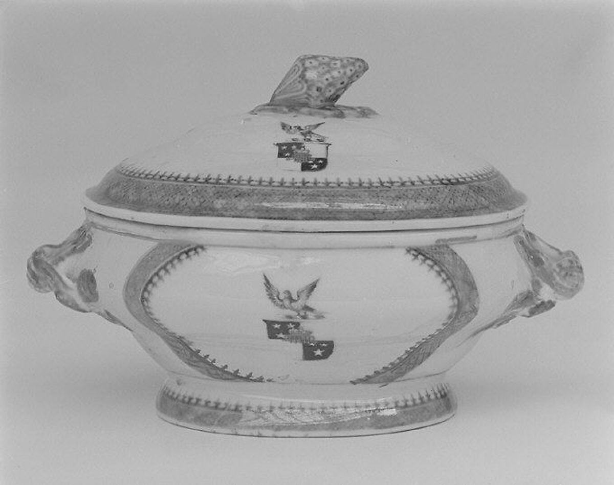 Tureen with cover (part of a service) | Chinese, for British market | The Met