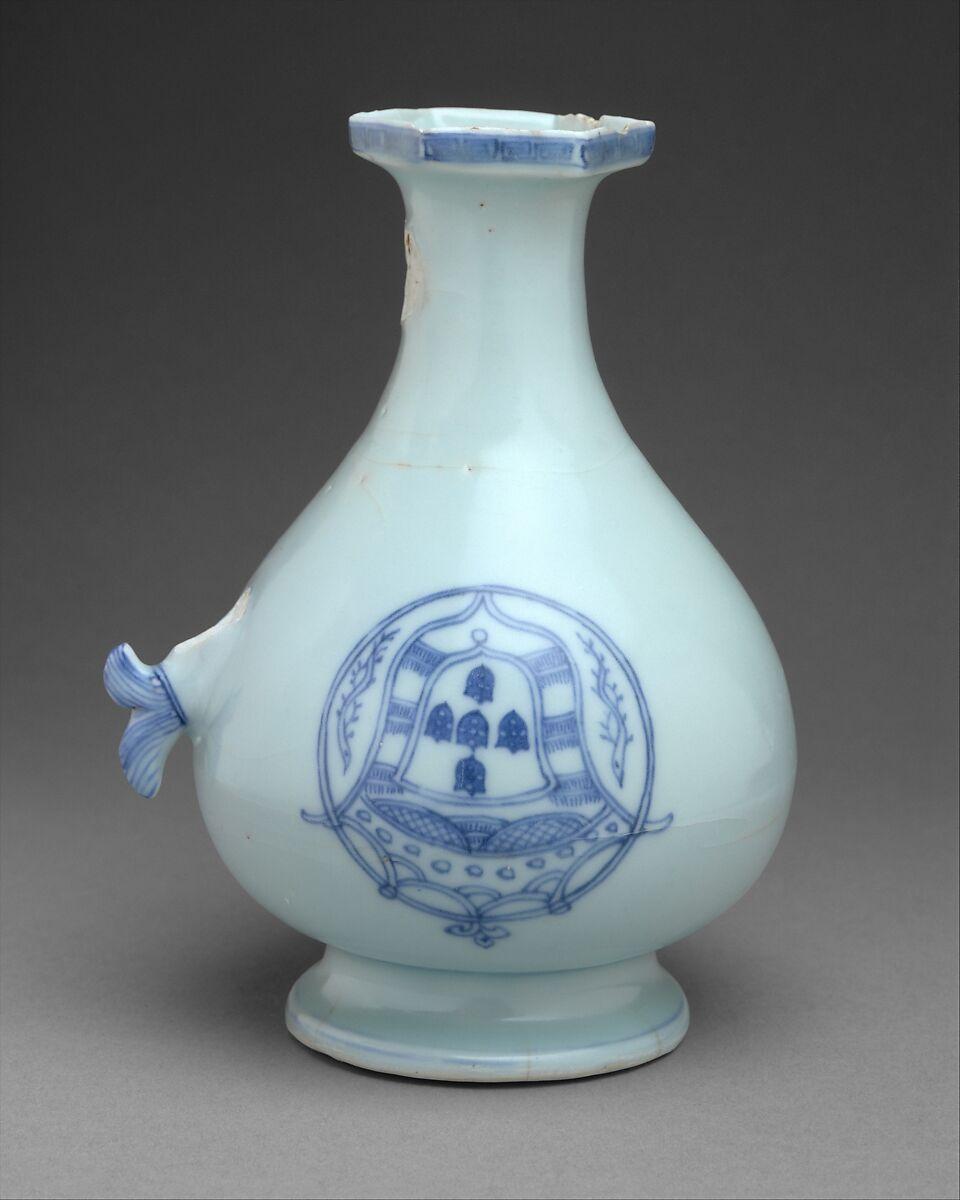 blue decorative vases.htm east and west chinese export porcelain essay the metropolitan  east and west chinese export porcelain