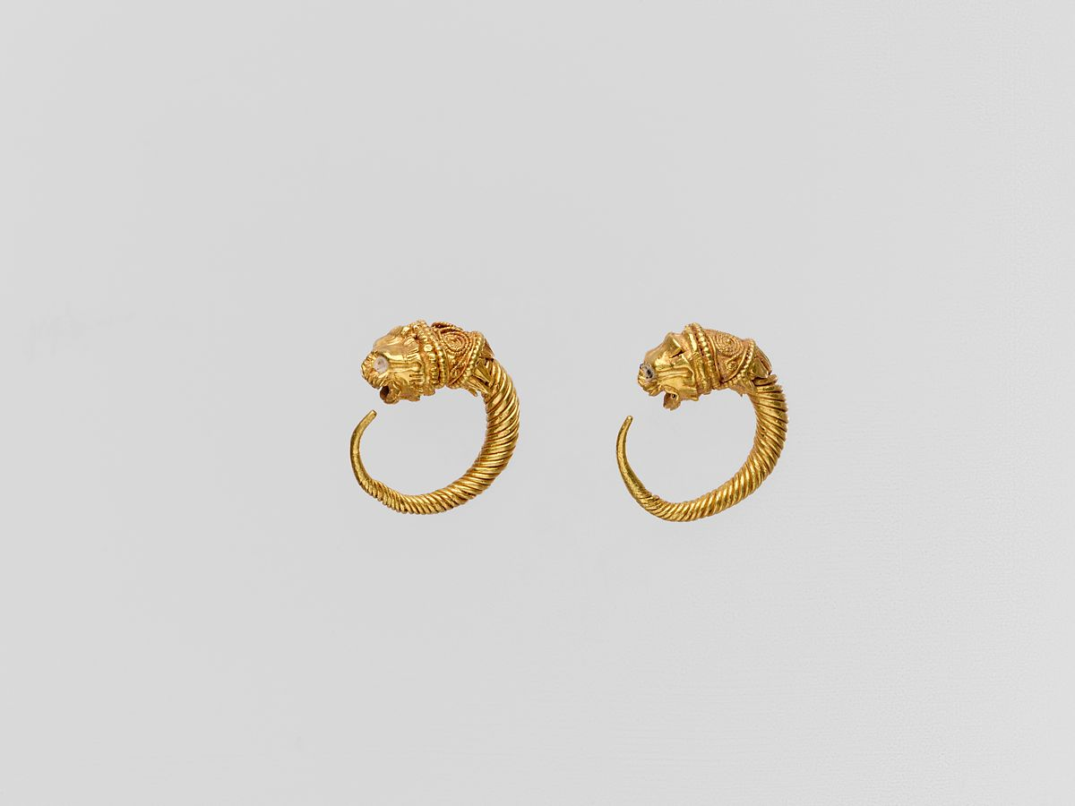 Gold earring with head of a lion   Greek   Classical or Hellenistic   The Met