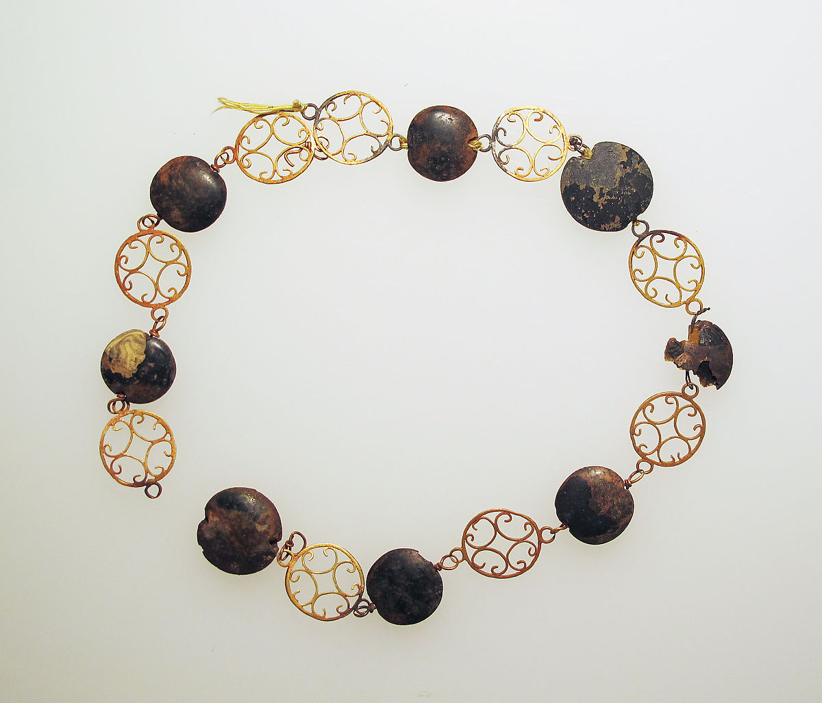 Necklace with paste beads, Gold, glass paste, Roman