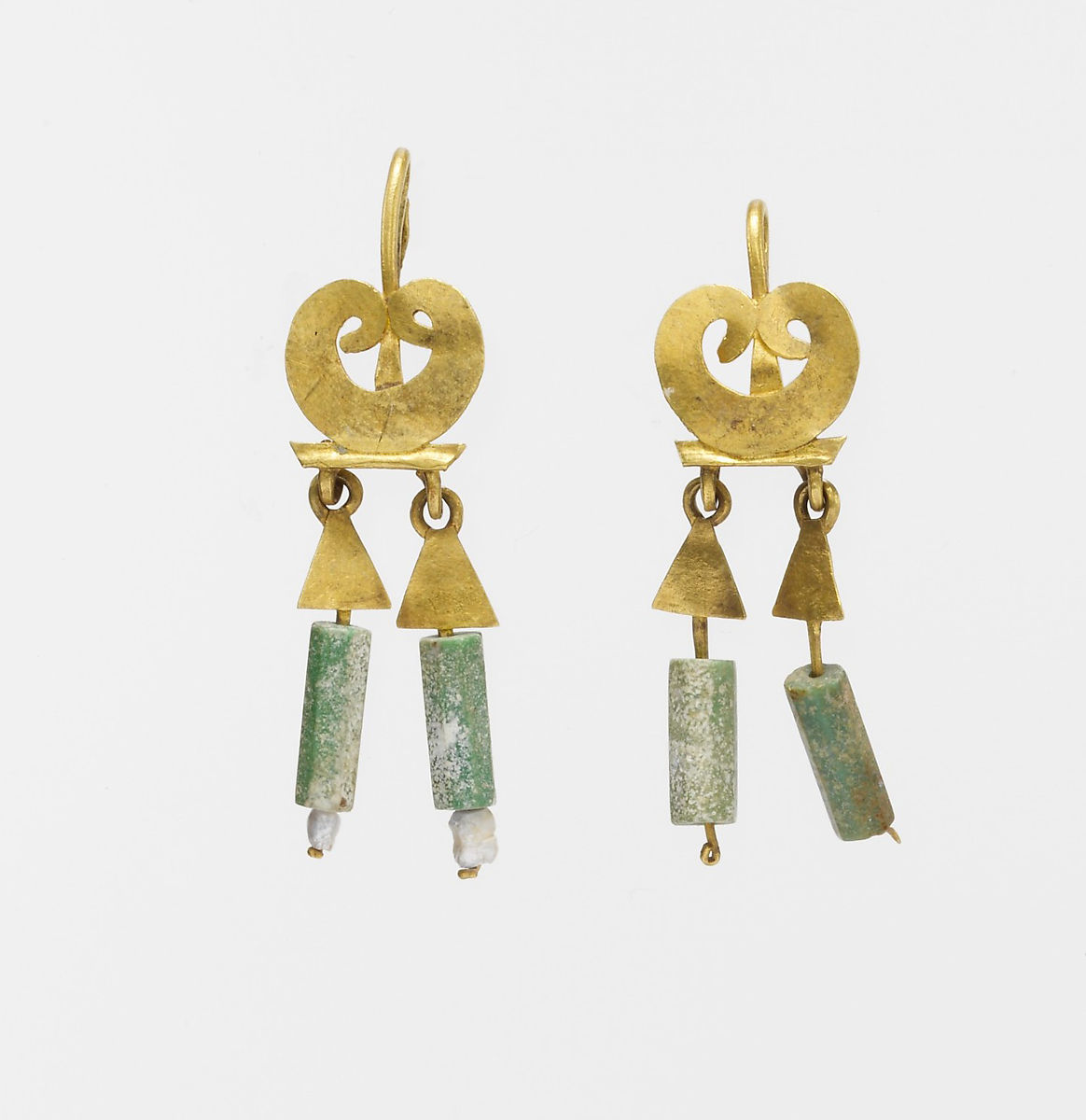 Gold And Chalcedony Earrings Roman