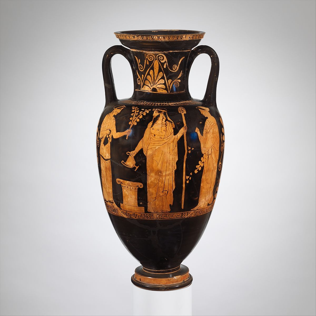 greek terracota amphora black figure painting The various forms and narrative images painted on their surfaces is what preferential them from each other and makes them unique one of the pieces that best exemplify the intentions of the greek artists is a terracotta amphora of the late 6th century bcc found in orville, italy.