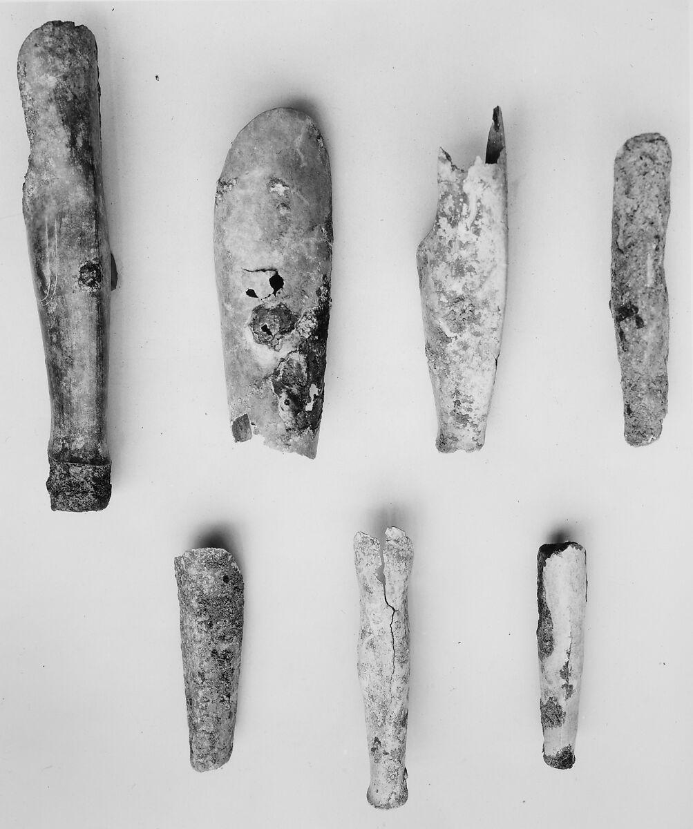 Miniature bronze greave | The Met