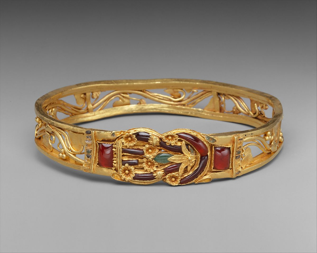 Gold armband with Herakles knot | Greek | Hellenistic | The Met