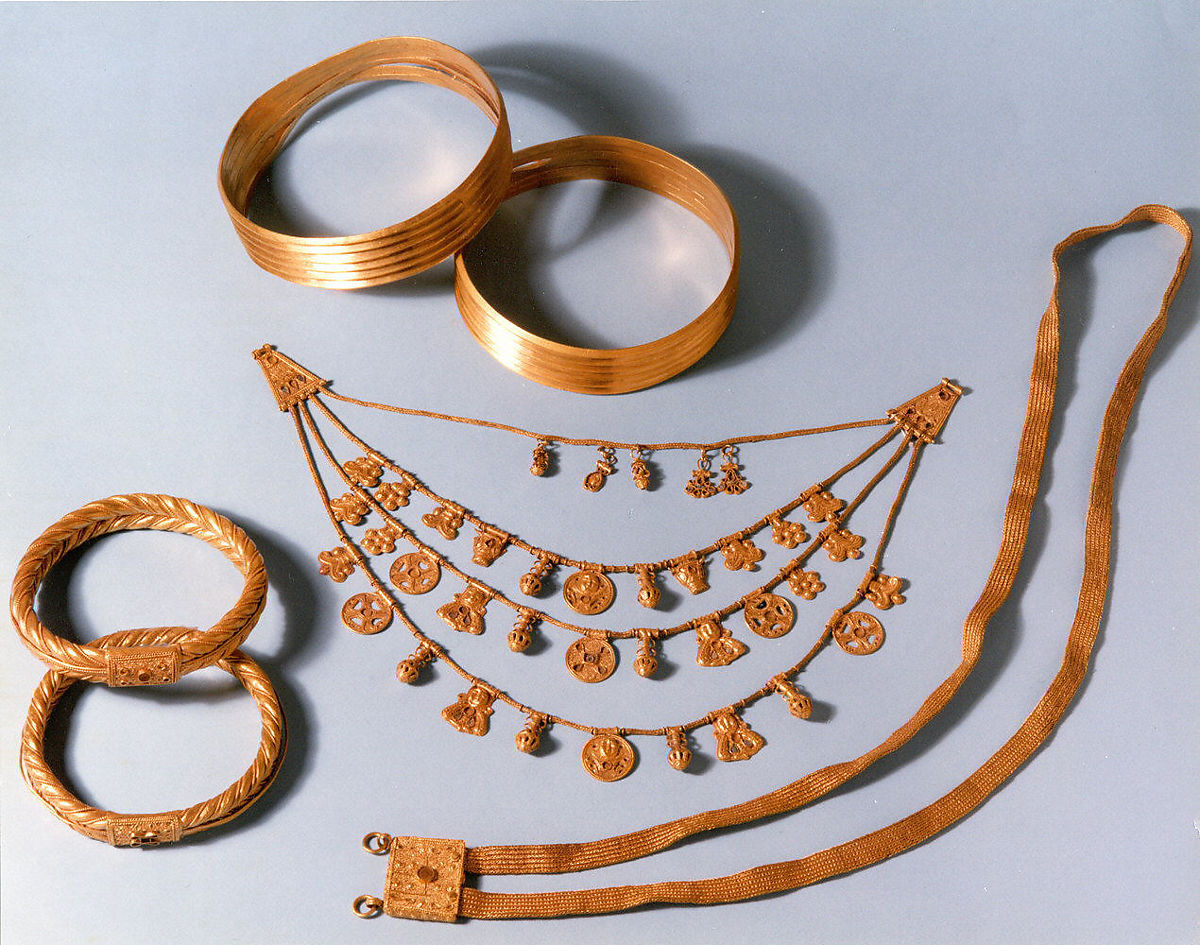 Necklace with pendants | Iron Age | The Met
