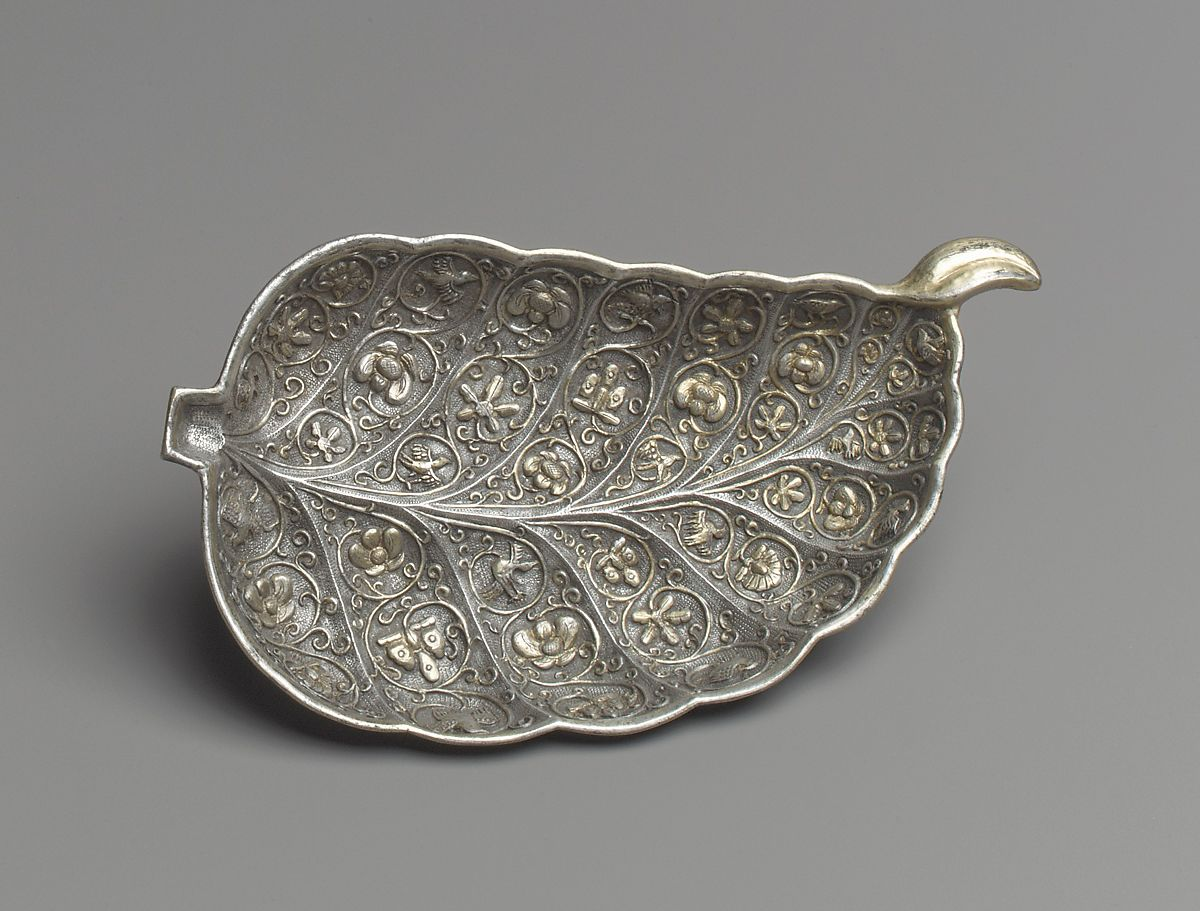 Dish in the Shape of a Leaf, Silver with parcel gilding, China