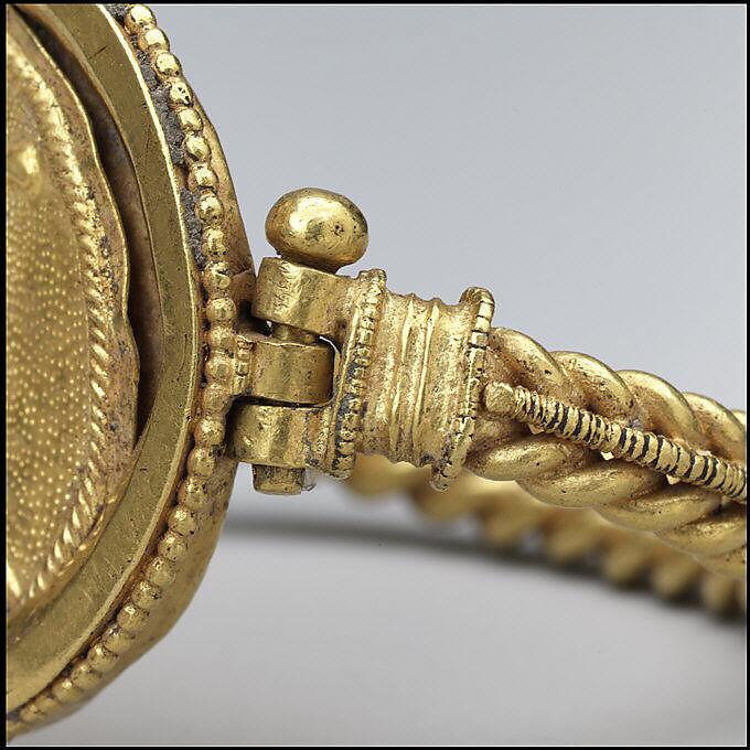 Bracelet with Bust of Roma, Gold, Byzantine