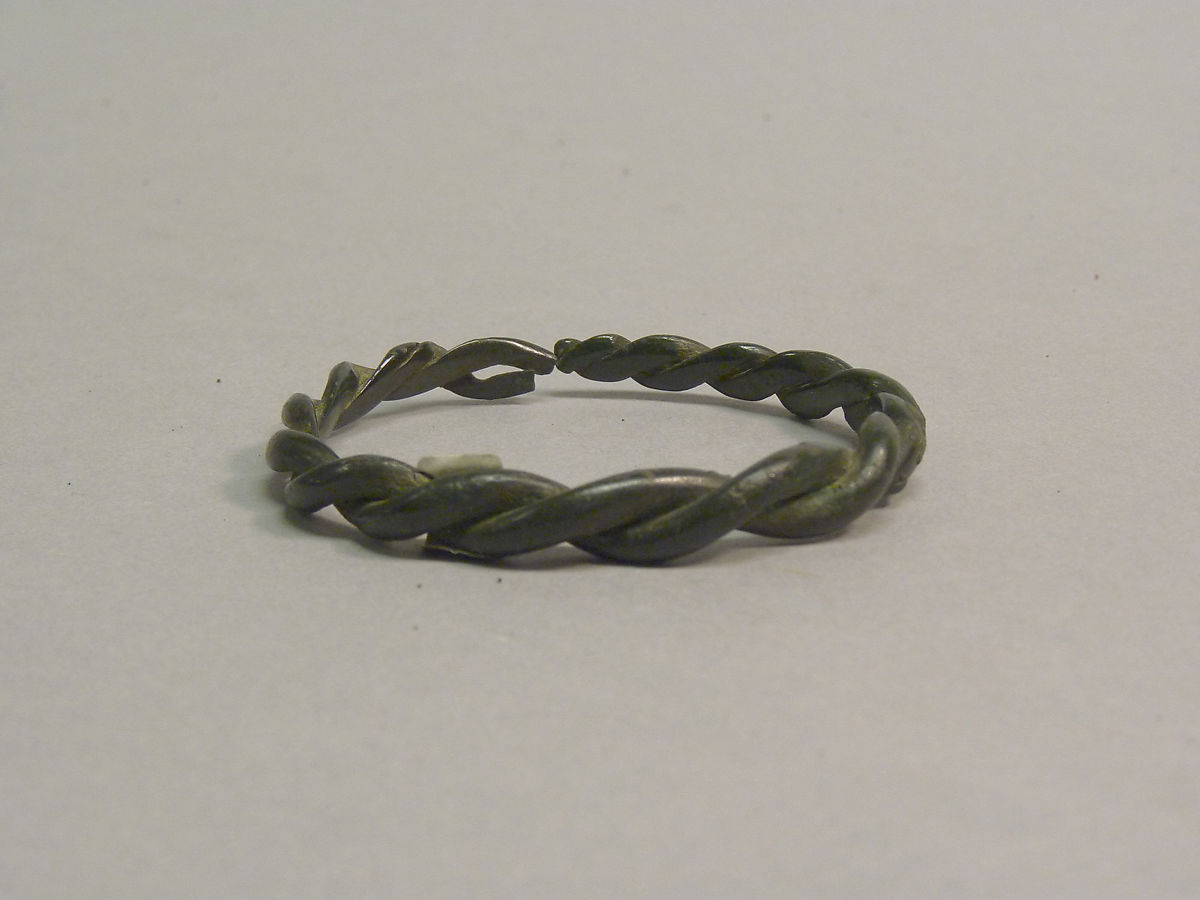 Twisted Bangle | Thailand | Late period | The Met