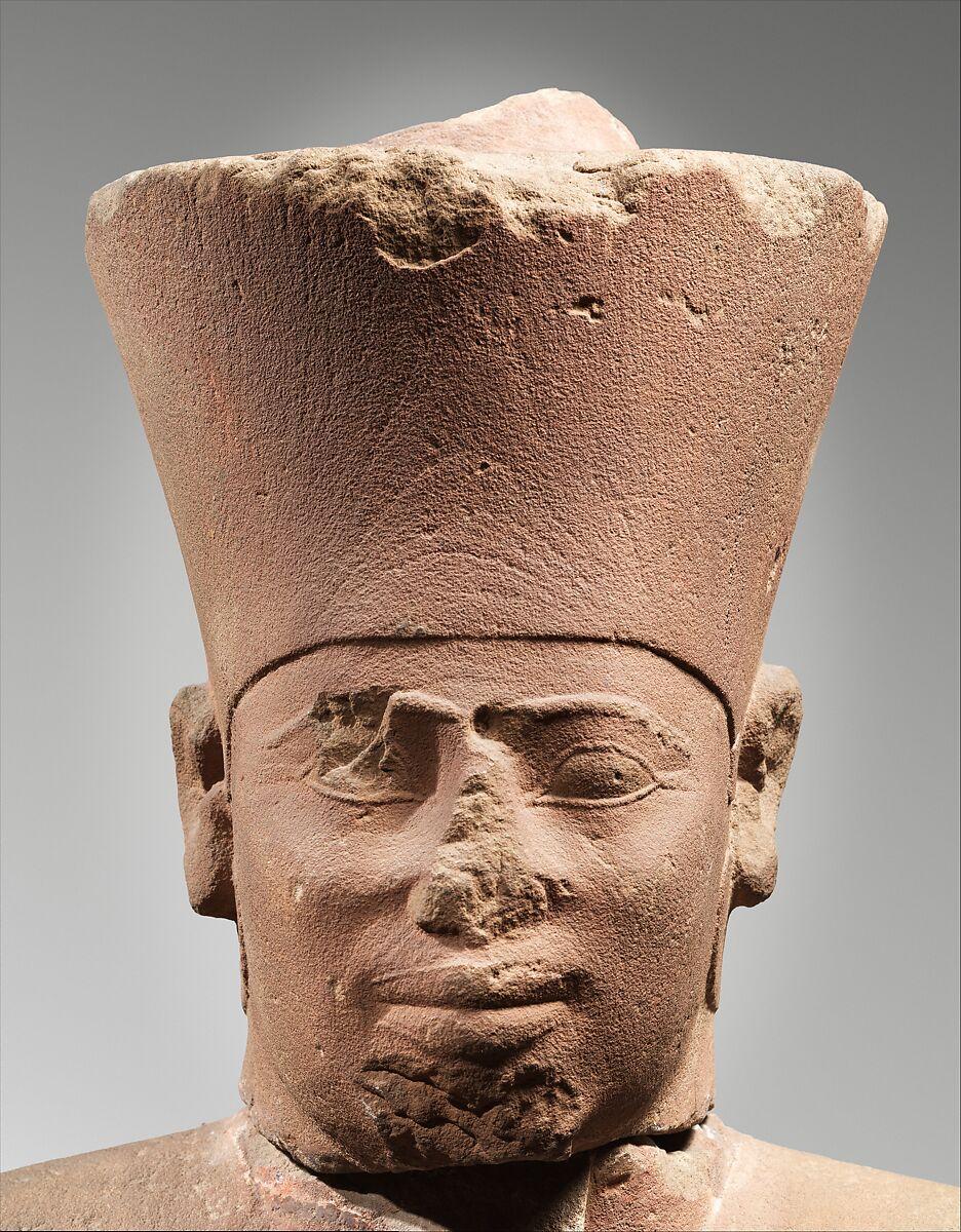 ¿Por qué las estatuas egipcias tienen la nariz rota?