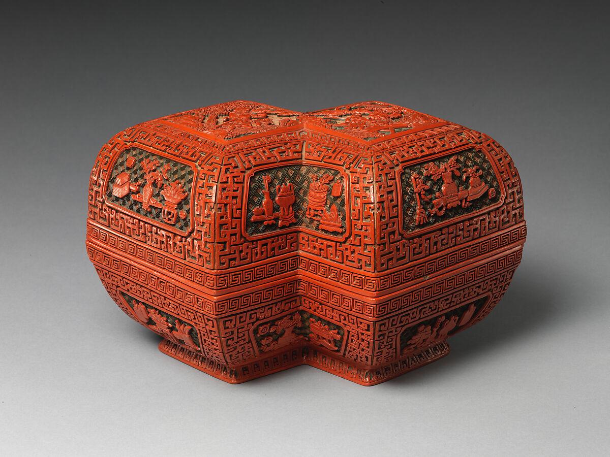 Lozenge box with scene of treasure tributary | China | Qing dynasty (1644–1911) | The Met