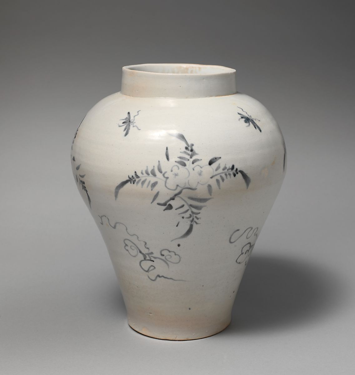 In Pursuit of White: Porcelain in the Joseon Dynasty, 8–8