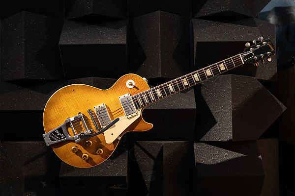 Gibson | Les Paul Standard, serial #9 3182 | The Met